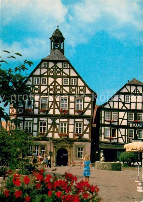 AK / Ansichtskarte Gruenberg_Hessen Rathaus Marktplatz Altstadt ...