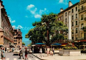 AK / Ansichtskarte Geneve_GE Place du Molard Monument Geneve_GE