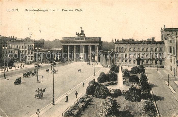 AK / Ansichtskarte Berlin Brandenburger Tor mit Pariser Platz Berlin