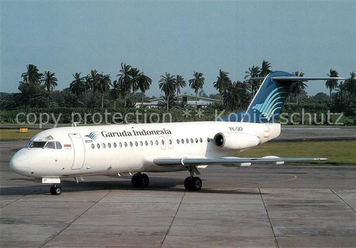 AK / Ansichtskarte Flugzeuge_Zivil Garuda Indonesia Fokker F28 4000 PK GKP c n 11199 Flugzeuge Zivil