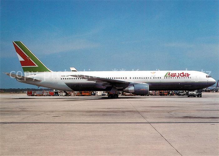 AK / Ansichtskarte Flugzeuge_Zivil Lauda Airlines Boeing B 767 300ER OE LAT  Flugzeuge Zivil