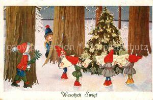 AK / Ansichtskarte Zwerge Kinder Wald Weihnachtsbaum Weihnachten Zwerge