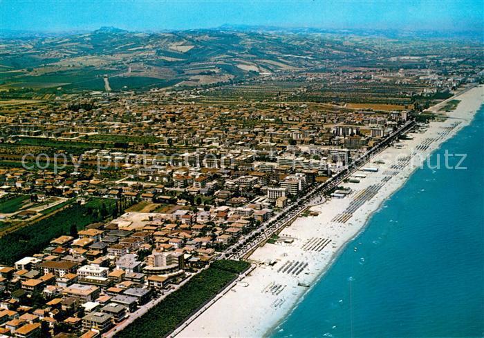 AK / Ansichtskarte Alba_Adriatica Fliegeraufnahme mit Strand Alba Adriatica