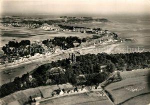 AK / Ansichtskarte Saint Brieuc_Cotes d_Armor La Baie Tour de Cesson Entree du Port Pointe du Roselier vue aerienne Saint Brieuc_Cotes d