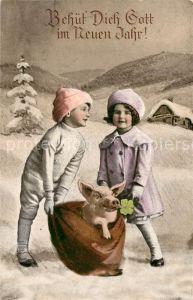 AK / Ansichtskarte Neujahr Kinder Schwein Kleeblatt  Neujahr