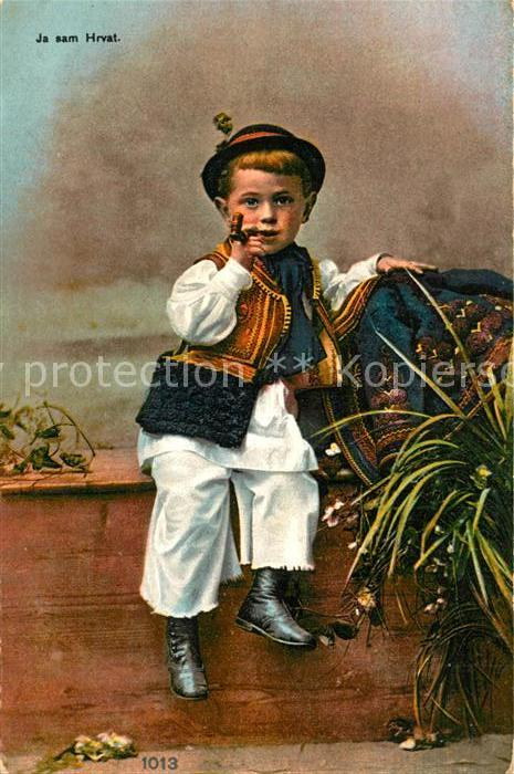 AK / Ansichtskarte Kinder_Child_Enfants Pfeife Tracht Kroatien  Kinder_Child_Enfants