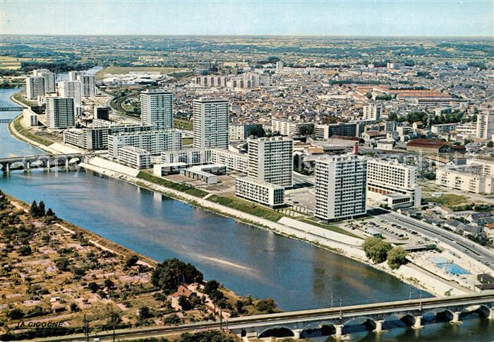 AK / Ansichtskarte Tours_Indre et Loire Les bords du Cher vue aerienne Tours Indre et Loire