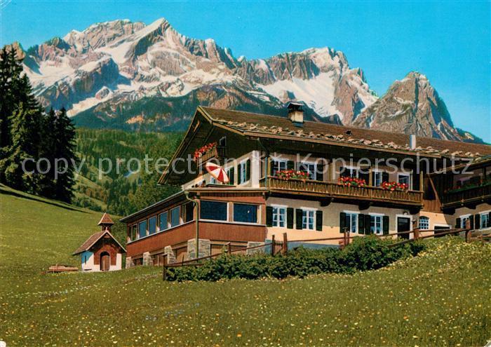 AK / Ansichtskarte Garmisch Partenkirchen Berggasthof Gschwandtnerbauer gegen Zugspitze Wettersteingebirge Garmisch Partenkirchen