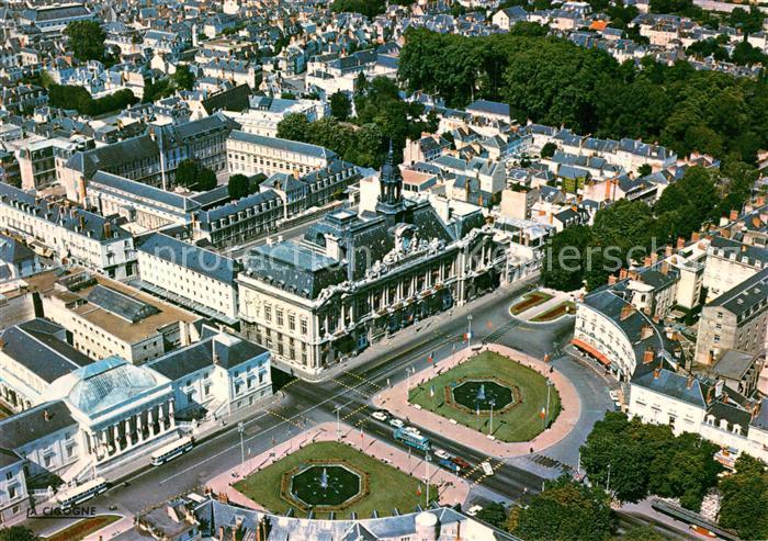 AK / Ansichtskarte Tours_Indre et Loire Fliegeraufnahme Place du Palais de Justice Tours Indre et Loire
