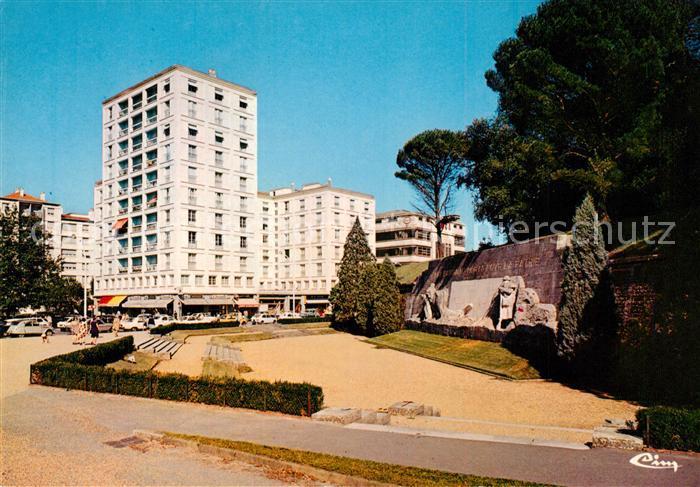 AK / Ansichtskarte Bayonne_Pyrenees_Atlantiques Le Monument aux Morts Bayonne_Pyrenees