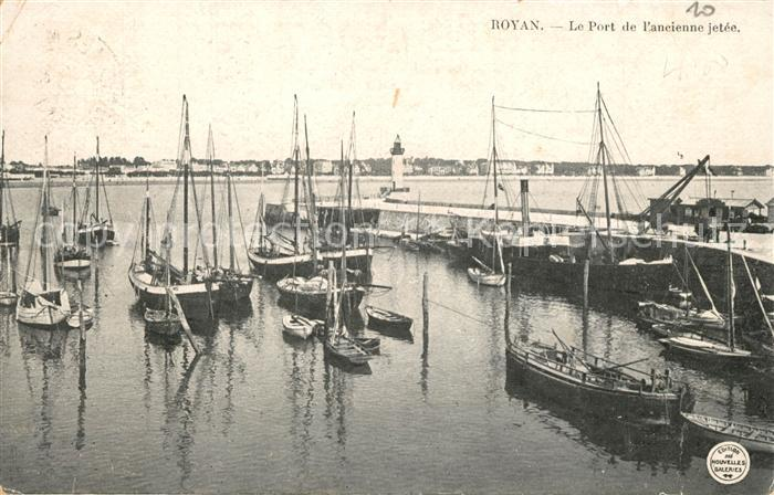 AK / Ansichtskarte Royan_Charente Maritime Le Port de l'ancienne jetee Royan Charente Maritime