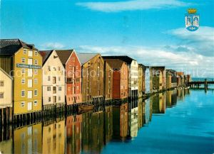 AK / Ansichtskarte Trondheim View of River Nidelven with the old warehouses Trondheim