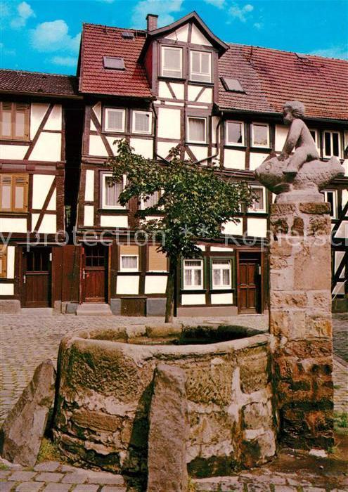 AK / Ansichtskarte Alsfeld Grabbrunnen Fachwerkhaus Altstadt Alsfeld