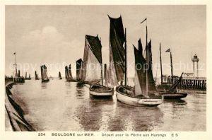 AK / Ansichtskarte Bologne Segelboote Depart pour la Peche aux Harengs Bologne