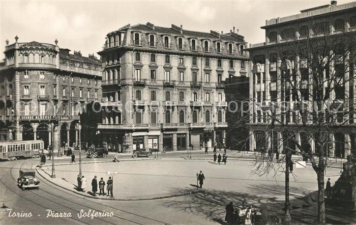 AK / Ansichtskarte Torino Piazza Solferino Torino