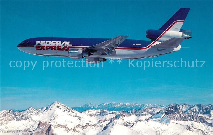 AK / Ansichtskarte Flugzeuge_Zivil Federal Express McDonnell Douglas DC 10 30F  Flugzeuge Zivil