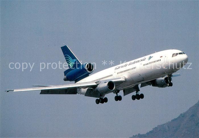 AK / Ansichtskarte Flugzeuge_Zivil Garuda Indonesia McDonnell Douglas DC 10 30  Flugzeuge Zivil