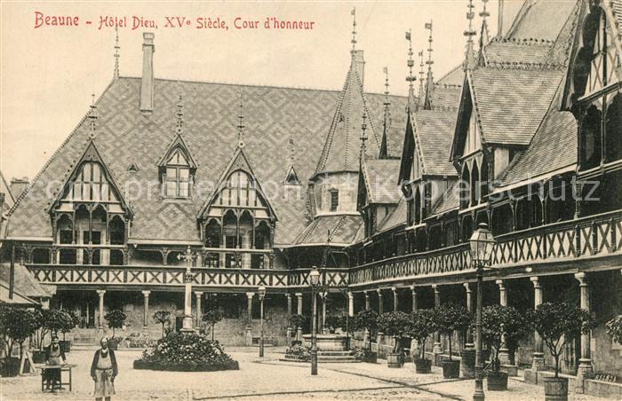AK / Ansichtskarte Beaune_Cote_d_Or_Burgund Hotel Dieu XV Siecle Cour d honneur Beaune_Cote_d_Or_Burgund