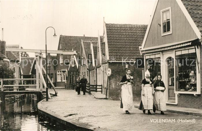 AK / Ansichtskarte Volendam Tracht Volendam