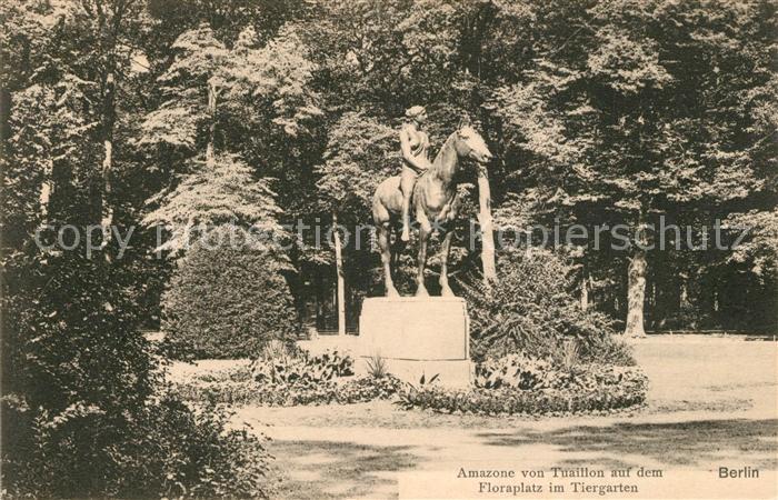 Berlin Amazone von Tuaillon auf dem Floraplatz im Tiergarten Berlin
