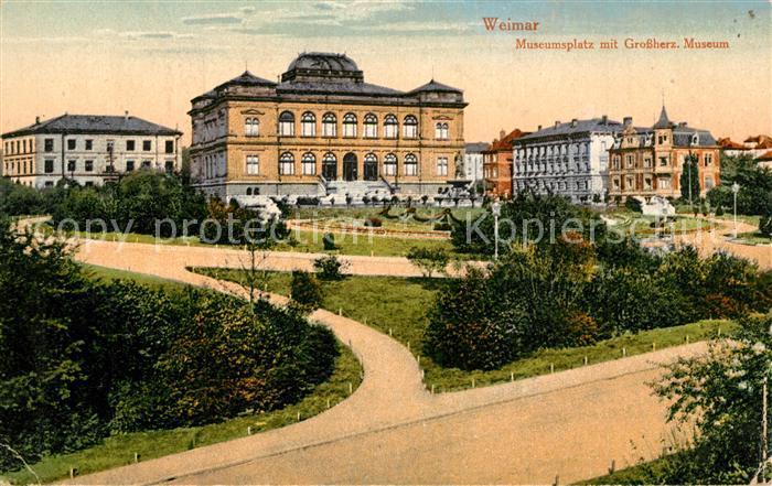 AK / Ansichtskarte Weimar_Thueringen Museumsplatz mit Grossherzogl Museum Weimar Thueringen