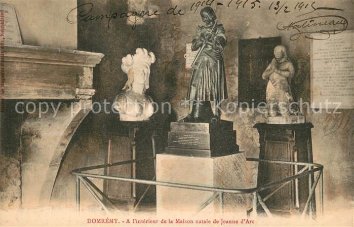 AK / Ansichtskarte Domremy la Pucelle_Vosges Interieur de la Maison natale  de Jeanne d Arc Monument Statue Domremy la Pucelle_Vosges