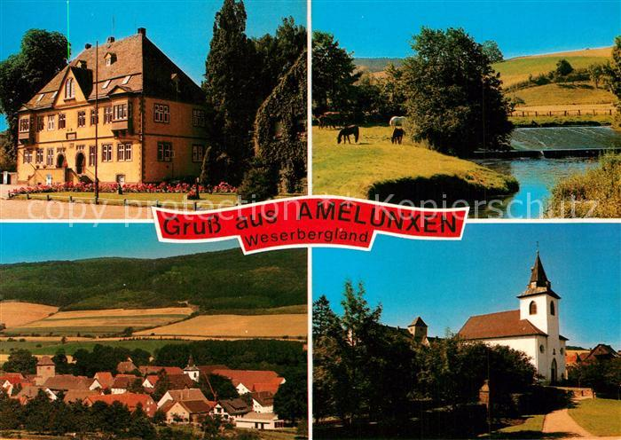AK / Ansichtskarte Amelunxen Rathaus Kirche Partie am Fluss Panorama Weserbergland Amelunxen