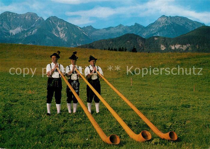 AK / Ansichtskarte Alphorn Alphornblaeser Trachtenverein D Schlossbergler Hopferau Allgaeu Alphorn