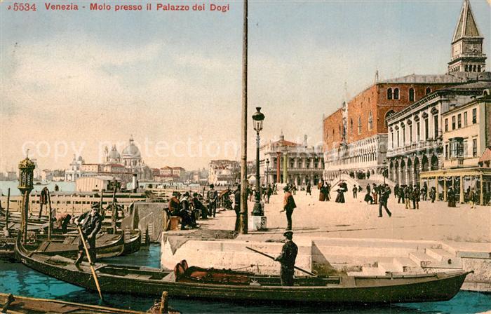 AK / Ansichtskarte Venezia_Venedig Molo presso il Palazzo dei Dogi Gondeln Venezia Venedig