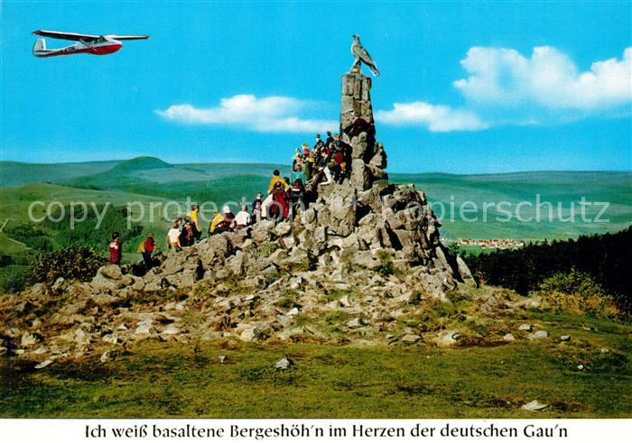 AK / Ansichtskarte Segelflug Wasserkuppe Rhoen Fliegerdenkmal Segelflug