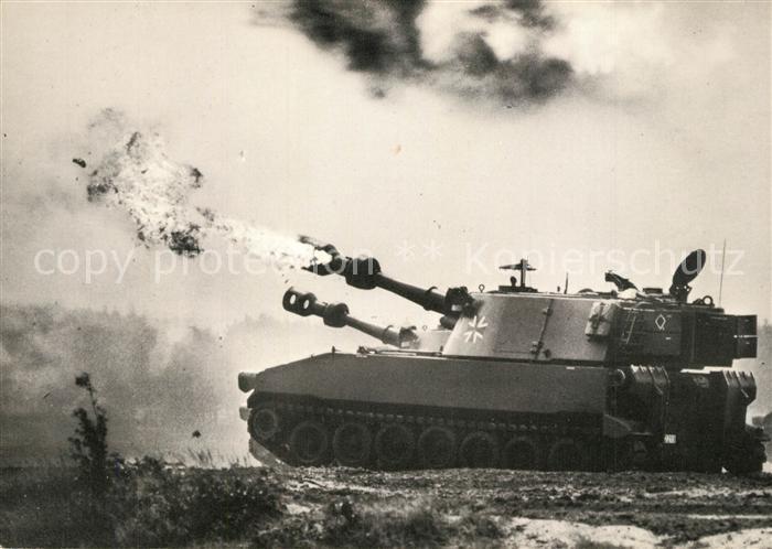 AK / Ansichtskarte Militaria_Panzer Deutsche Bundeswehr Panzerhaubitze M 109 Militaria Panzer