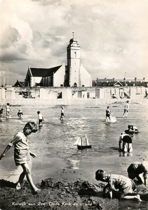 AK / Ansichtskarte Katwijk_aan_Zee Strand Oude Kerk Katwijk_aan_Zee