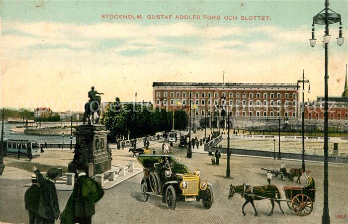 AK / Ansichtskarte Stockholm Gustaf Adolfs Torg och Slottet Denkmal Schloss Automobil Pferdegespann Stockholm