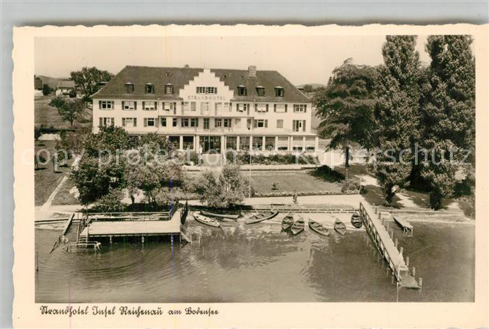 AK / Ansichtskarte Insel_Reichenau Strandhotel Seeterrasse Strandbad Bootsanleger Fliegeraufnahme chamois Buetten Insel Reichenau