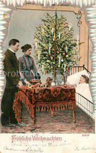AK / Ansichtskarte Weihnachten Kind Eltern Weihnachtsbaum Geschenke Spielzeug  Weihnachten
