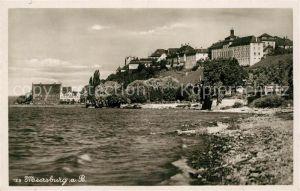 AK / Ansichtskarte Meersburg_Bodensee Uferpartie am See Blick zum Schloss Meersburg Bodensee