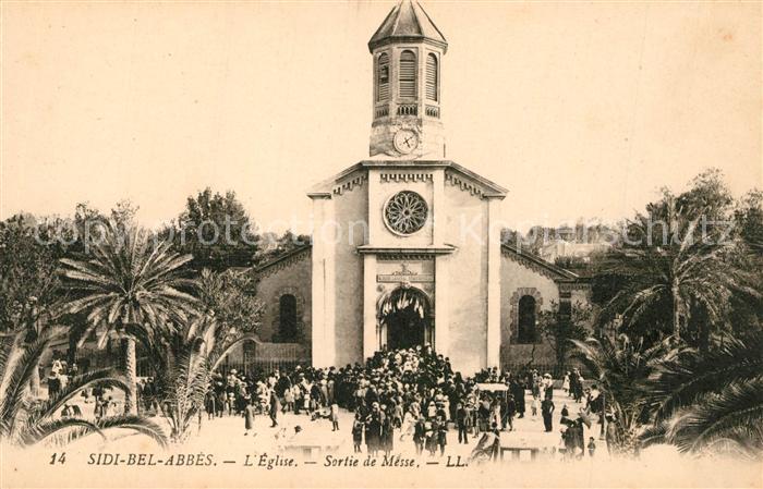 AK / Ansichtskarte Sidi Bel Abbes Eglise Sortie de Messe Sidi Bel Abbes