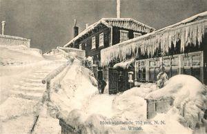 AK / Ansichtskarte Oybin Hochwaldbaude im Winter Eiszapfen Zittauer Gebirge Oybin
