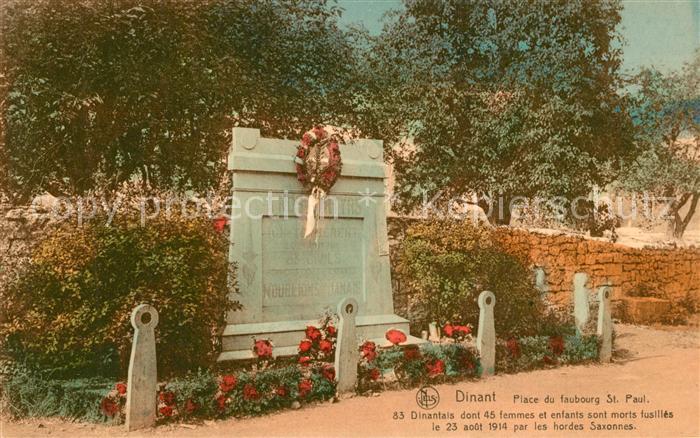 AK / Ansichtskarte Dinant_Wallonie Place du Faubourg Saint Paul Monument aux morts Dinant Wallonie
