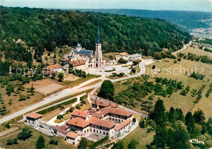 AK / Ansichtskarte Domremy la Pucelle_Vosges Vue aerienne Basilique Nationale de Ste Jeanne d'Arc Le Carmel Domremy la Pucelle_Vosges