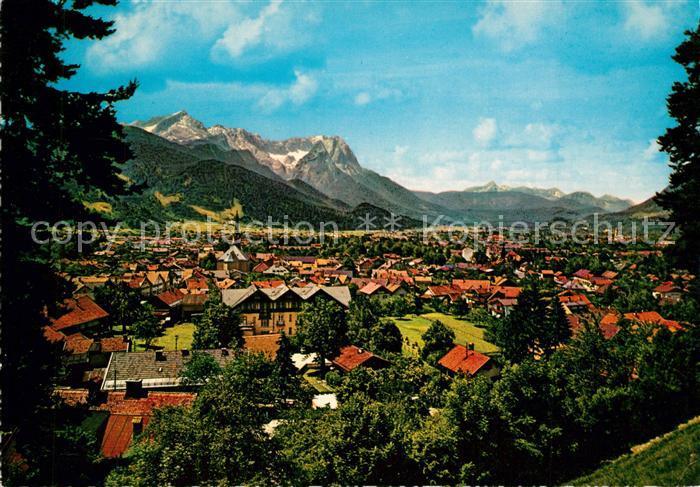 AK / Ansichtskarte Garmisch Partenkirchen mit Zugspitzgruppe Garmisch Partenkirchen 0