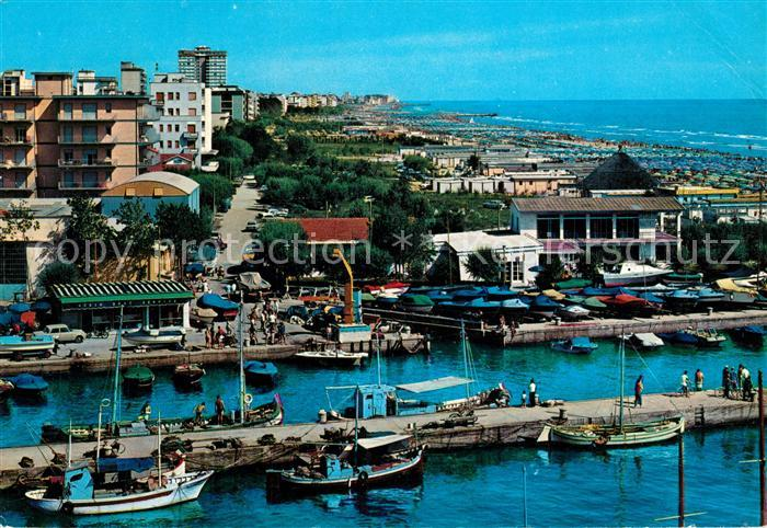 AK / Ansichtskarte Cervia Porto Canale e spiaggia Kanalhafen und Strand Cervia