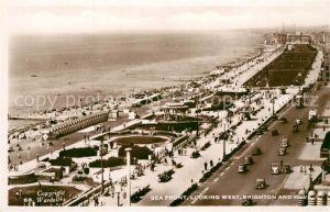 AK / Ansichtskarte Brighton_Hove Sea Front looking West Beach Brighton Hove