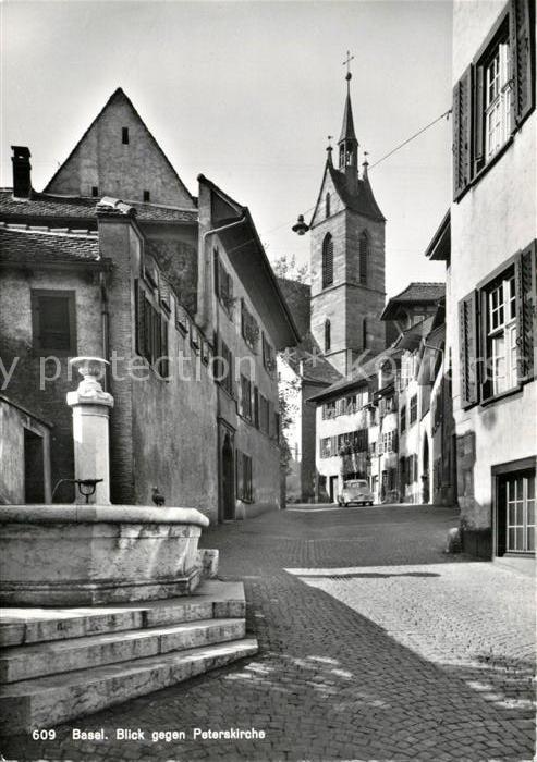 AK / Ansichtskarte Basel_BS Ortsmotiv mit Peterskirche Brunnen Basel_BS