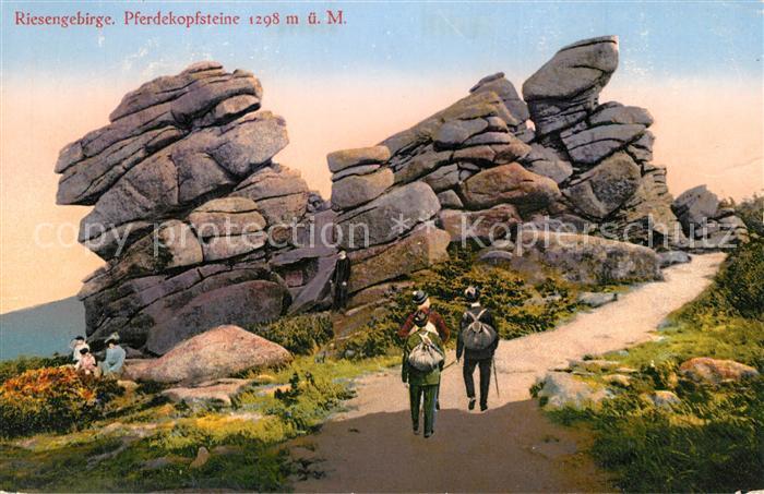 AK / Ansichtskarte Riesengebirge Pferdekopfsteine Wanderer Riesengebirge