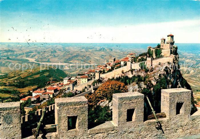 AK / Ansichtskarte San Marino Alte Stadtmauern Panorama San Marino
