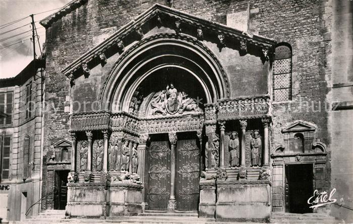 AK / Ansichtskarte Arles_Bouches du Rhone Le Portail de la Cathedrale Saint Trophime XII siecle Arles_Bouches du Rhone
