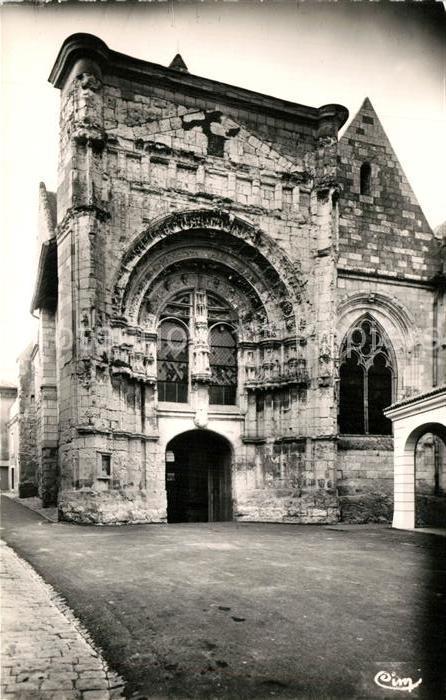 AK / Ansichtskarte Loudun Portail Renaissance de l Eglise Saint Pierre Loudun