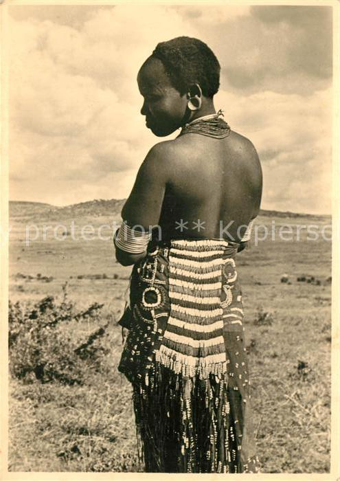 AK / Ansichtskarte Tansania Mgati Frau Tansania