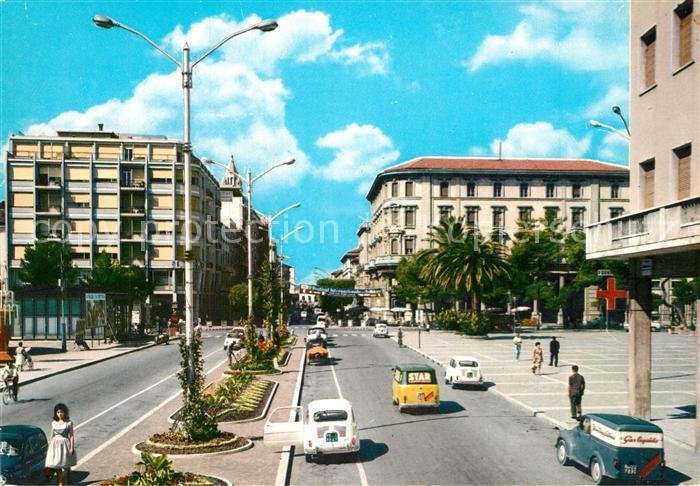 AK / Ansichtskarte Pescara Corso Umberto e Piazza Salotto Pescara